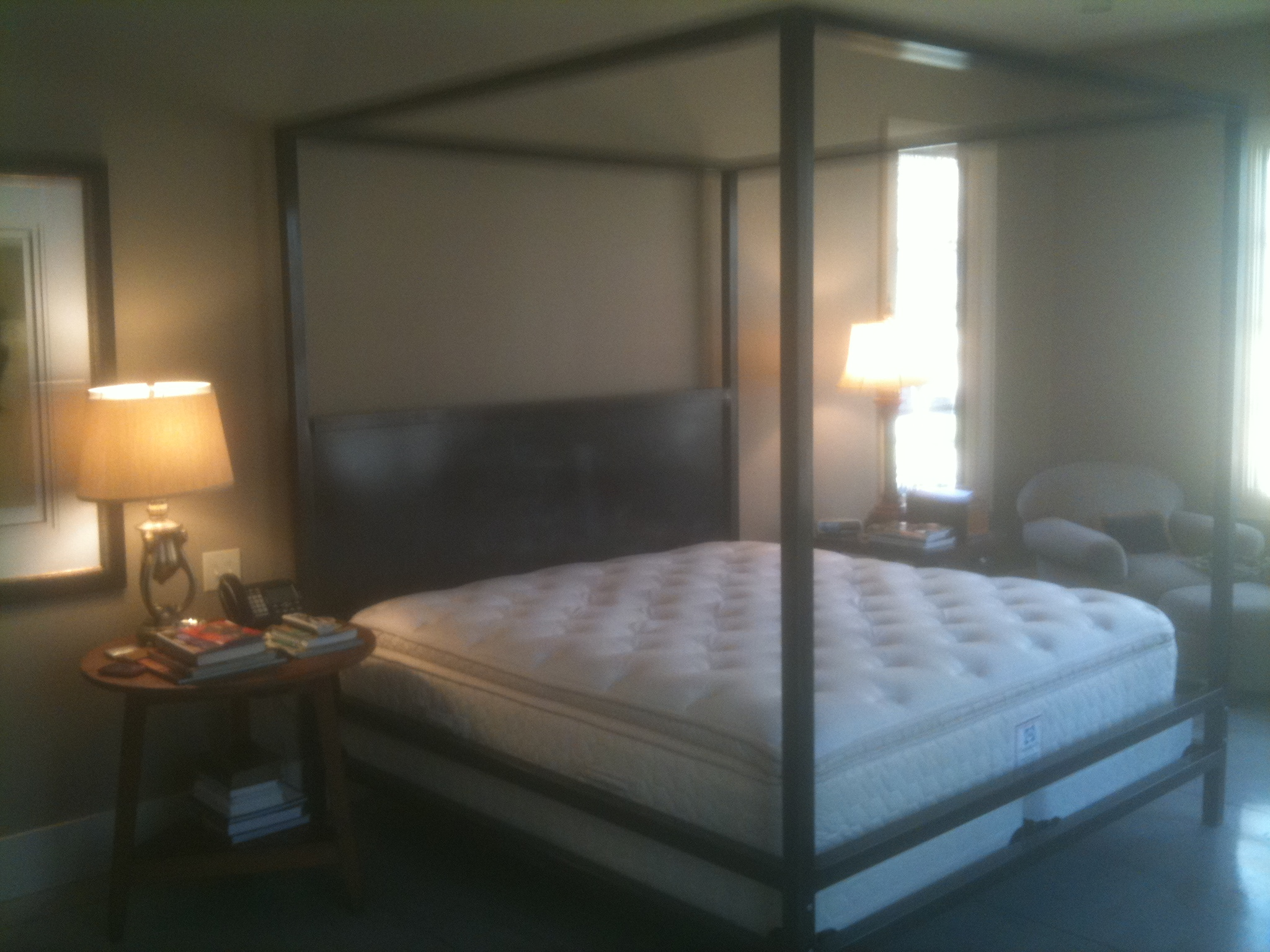 Bed – Contemporary