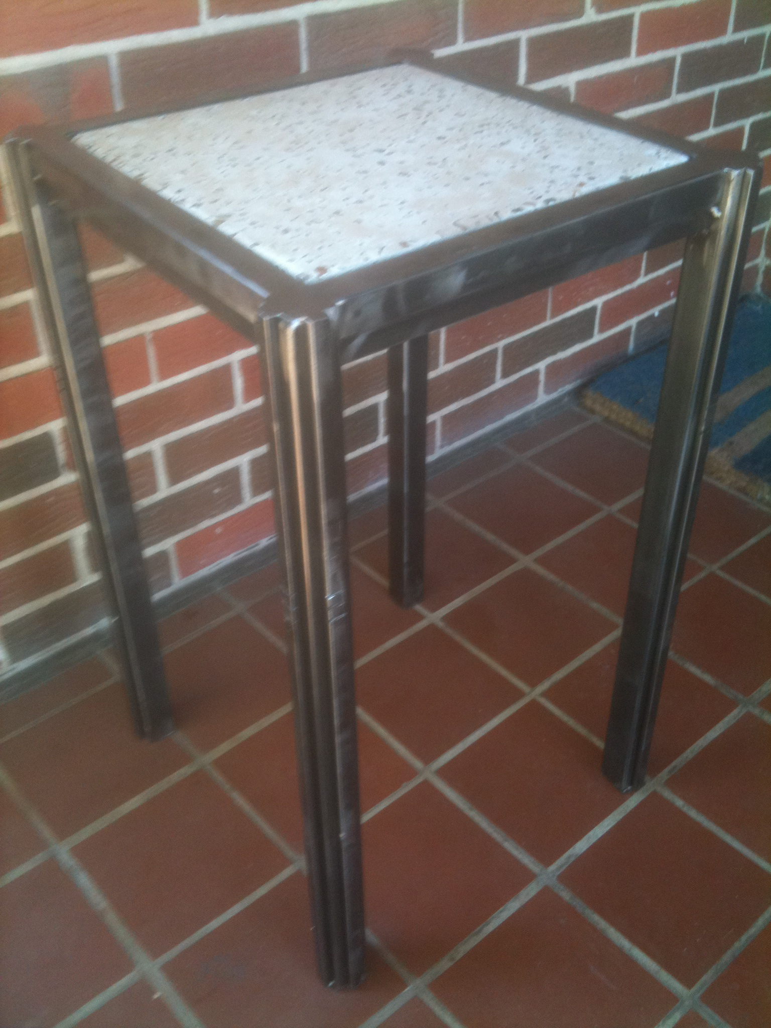 Table – Deco End Table