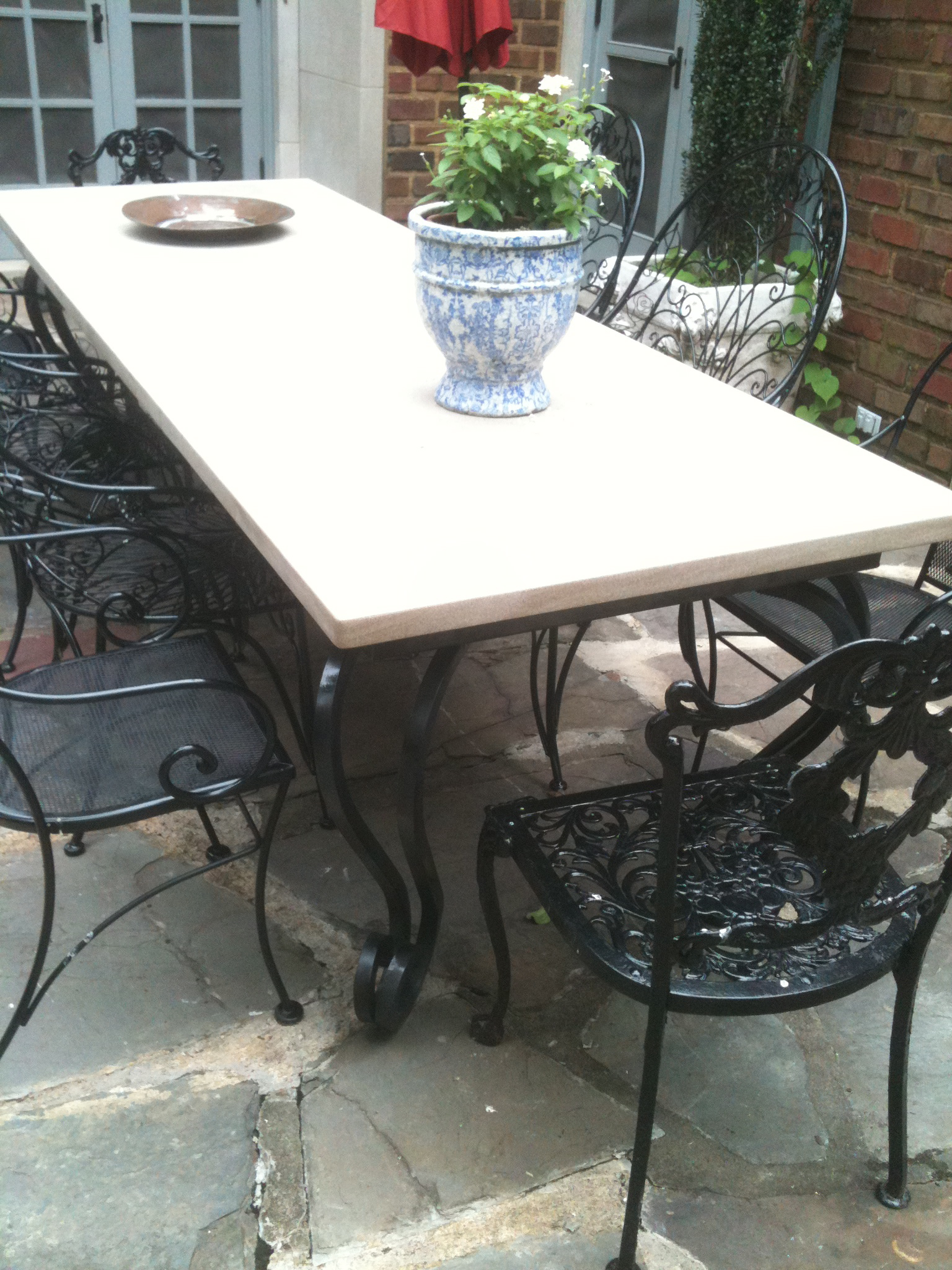 Table – Outdoor dining